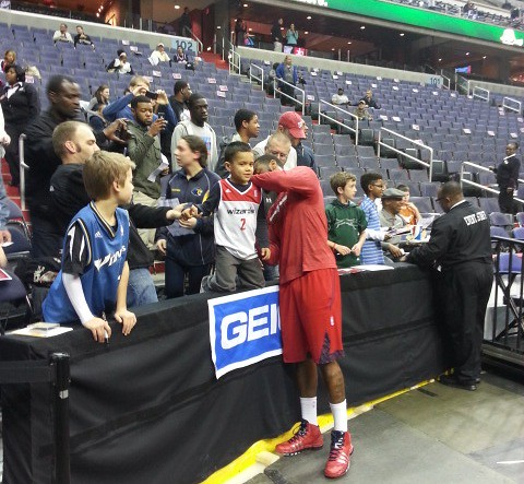 john wall, washington wizards, young fan, autographs