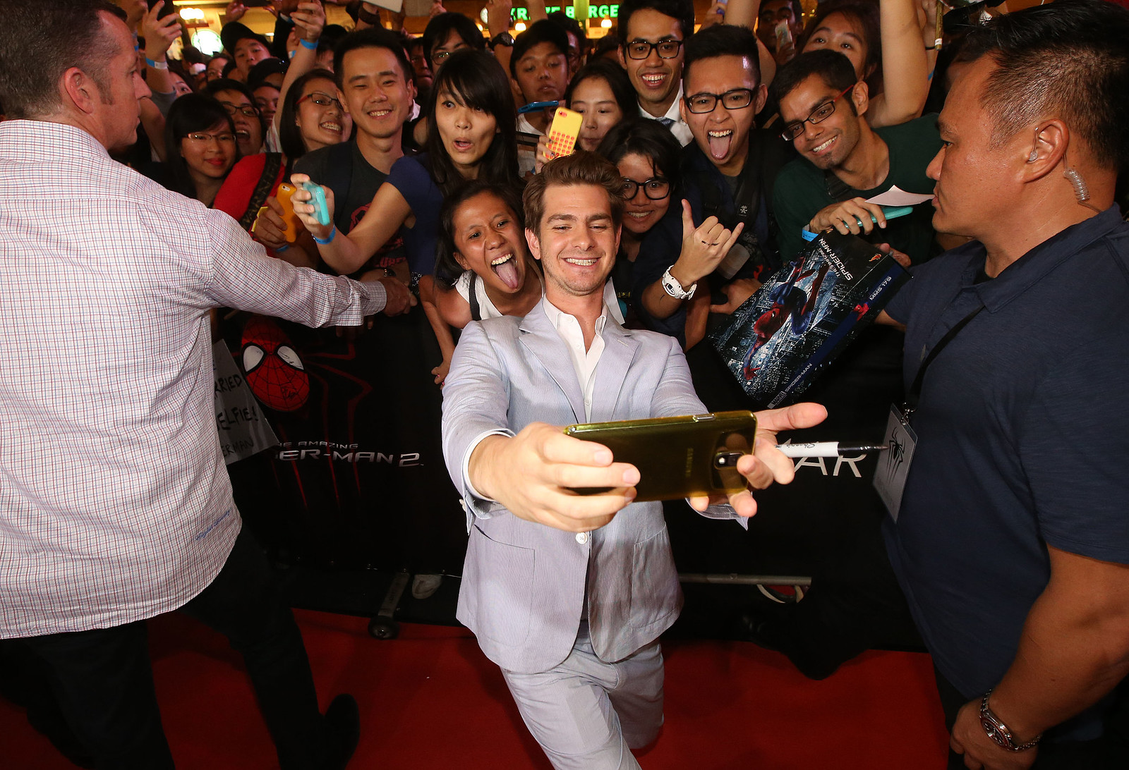 he-snapped-epic-selfie-fans
