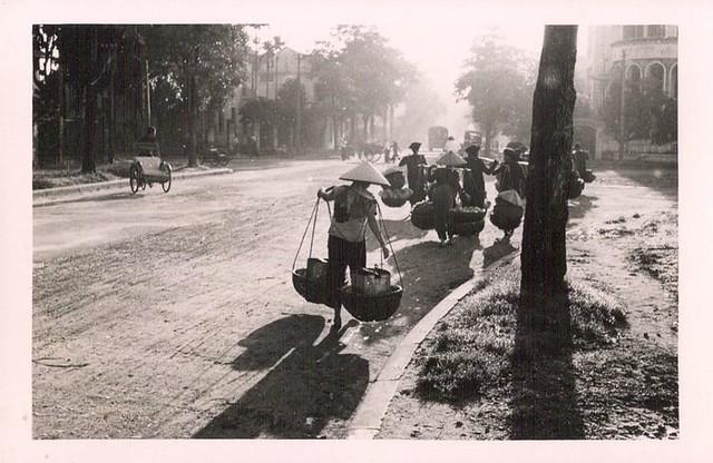HANOÏ - Boulevard GAMBETTA par temps de brume