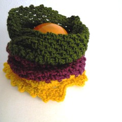 Cuello tricolor: mostaza, verde, burdeos