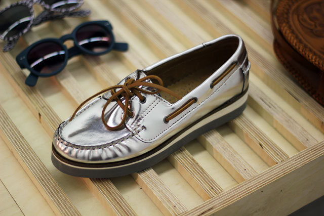 urban outfitters metallic loafer