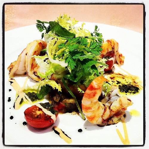 Amanida de rap i llagostins amb 'pisto' i balsàmic. El Hogar Gallego (Calella, Maresme). Plat de Toni Gordillo. Desembre de 2011 #cuina #gastronomia #elhogargallego #tonigordillo #calella #maresme #cocina #mediterrania #restaurante #restaurant