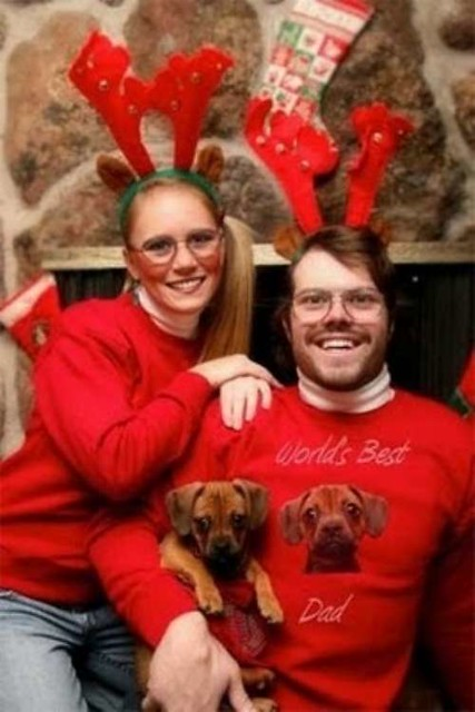 awkward couple christmas family photos