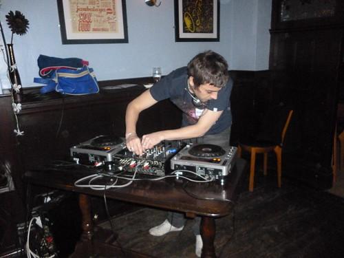 @stevetea winds up the gramophone