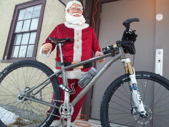 Santa rides a singlespeed Lynskey 29er