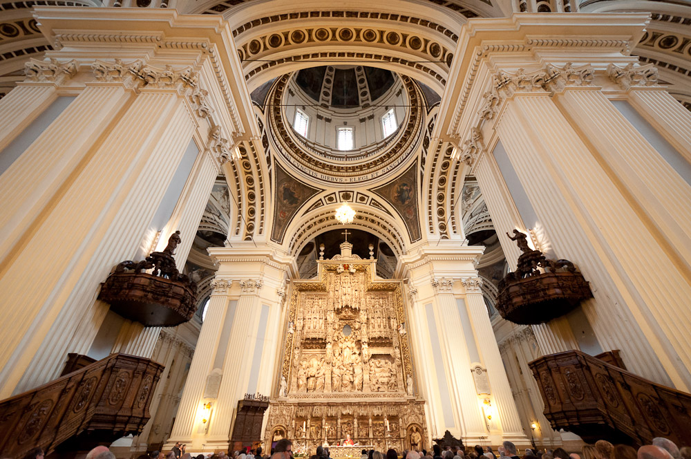 almuerzo Virgen besando cerca de Zaragoza