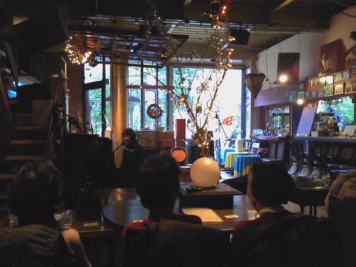 tomoco.kさん演奏、カフェドゴスペルにて