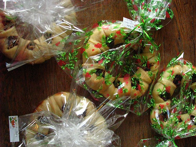 packaged wreaths
