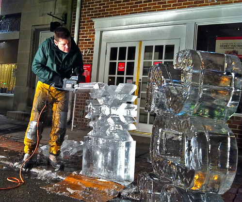 Chef Sculpts Ice New Year's Eve