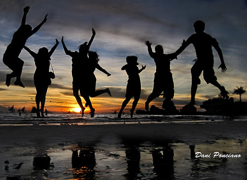 blue friends sunset tourism beach sand philippines silhouettes ps explore boracay campaign parasailing pilipinas caticlan aklan jumpshot 7107 willysrock unexplored parao westernvisayas dhainel itsmorefuninthephilippines
