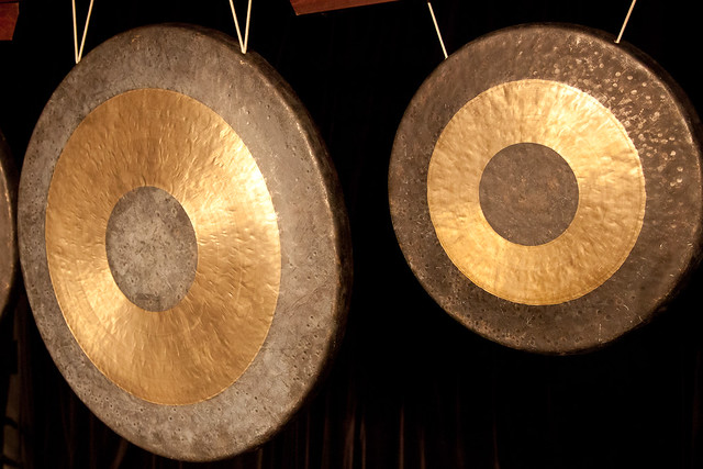 Gongs On Folklorica Stage