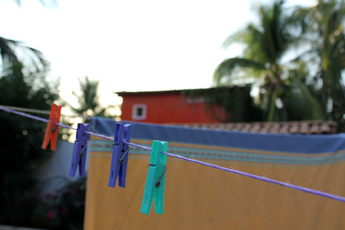 6jan_bugheart_clothesline