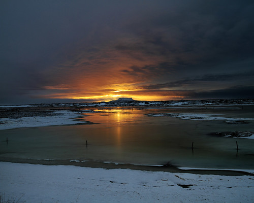 sunset sun mountain snow volcano iceland eldborg icelandvolcano sverrirþórólfsson sverrirthor volcanoiniceland