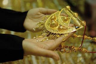 Shop for gold ornaments and carpets - Things to do in Abu Dhabi