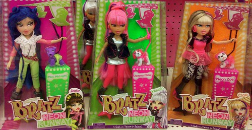 Bratz  Neon  Runway  by napudollworld