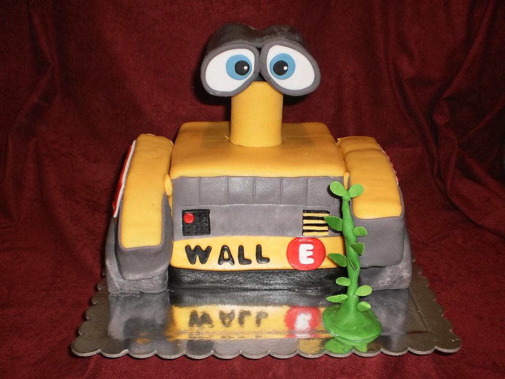 WALL E Cake