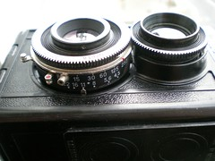 digital camera(0.0), wheel(0.0), cameras & optics(1.0), camera(1.0), shutter(1.0), lens(1.0), camera lens(1.0),