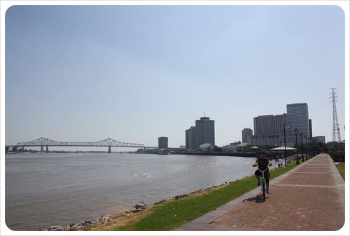cycling along the mississipi river
