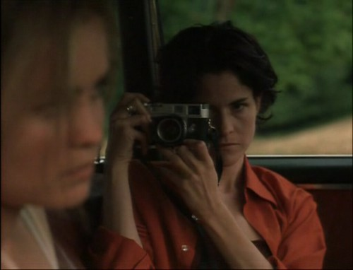 Ally Sheedy shooting Radha Mitchell in High Art