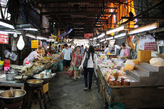 6834095581 a8ecac3945 o Samrong Market: All Thai Cooking Ingredients You Need and Secret Bargains!