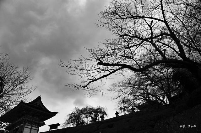 清水寺。山雨欲來。