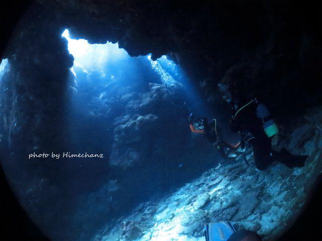 親子で洞窟の光を満喫することができました♪