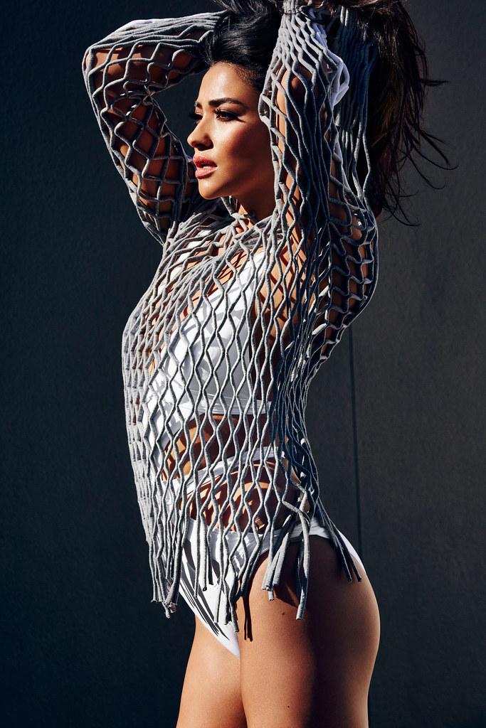 Шей Митчелл — Фотосессия для «Cosmopolitan» 2016 – 7