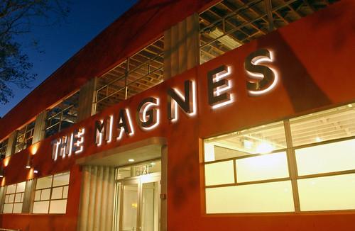 Magnes Facade