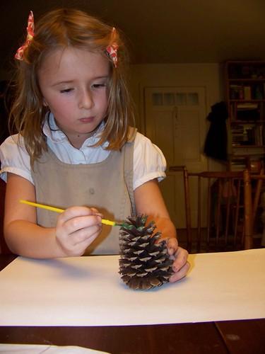 C7 paints a pinecone