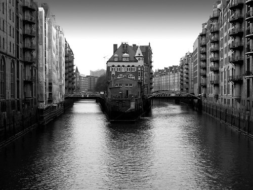 germany canal hamburg bridges warehouses hanseatic wandrahmsfleet