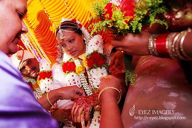 v Vaarthai Thevaillai, Vaazhum Kaalam Varai, Paavai Paarvai Mozhi Paesumae