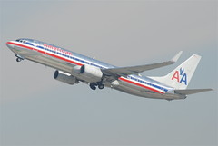 American Airlines Boeing 737-800; N930AN@LAX;10.10.2011/622io