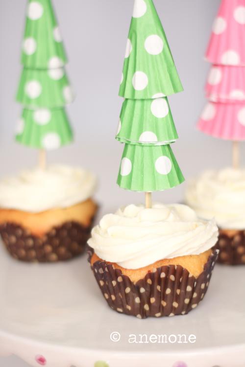 Cupcakes natalizi con arancia e mirtilli rossi