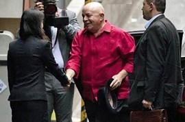 Tumor de Lula diminui e cirurgia está descartada, afirmam médicos by Portal Itapetim