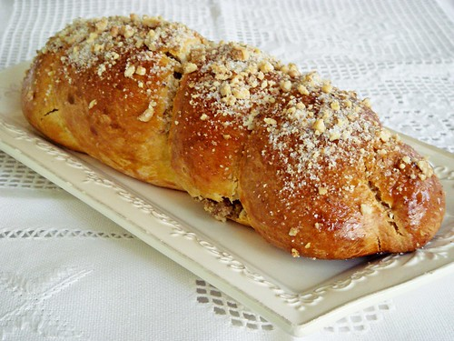 walnut filled callah