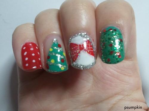 2011 Christmas Nails 4
