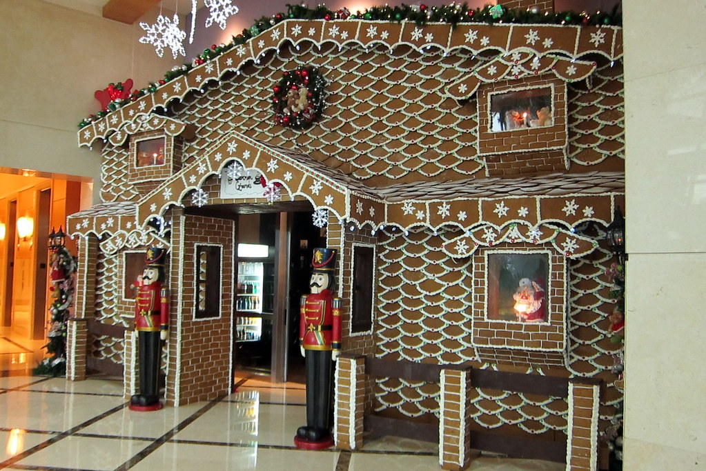 FL - Hollywood: Gingerbread House in the Westin Diplomat