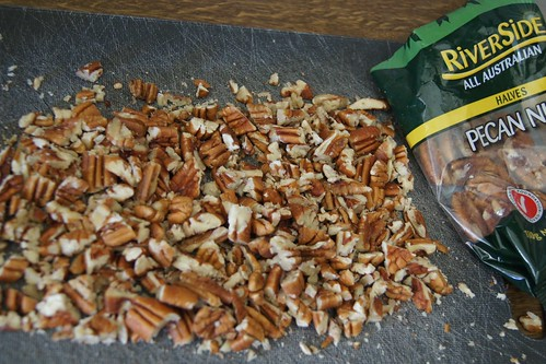 How To Make Caramel Popcorn - pecans