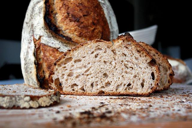 6595757889 6c55db7fc9 z 2012. La multe paini! cu Apa.Faina.Sare.