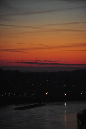ohio sunrise river cincinnati ohioriver barges edenparkcincinnatiohio