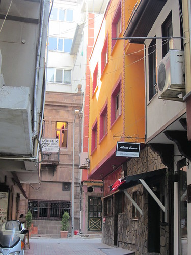 Balikesir: small street with orange house