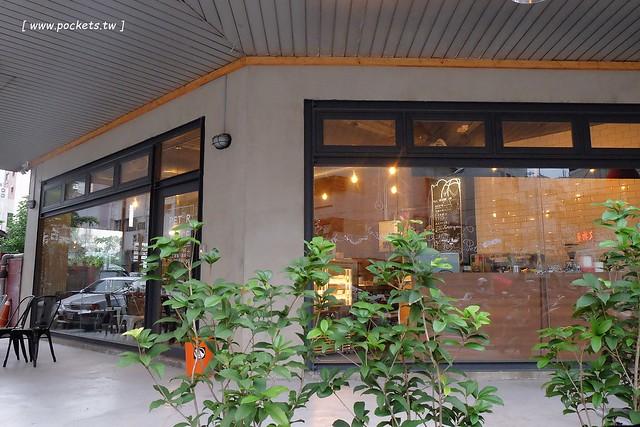 26878418510 19abf8d978 z - P&J's Pâtisserie 甜點工作室:隱身於模範街新開的手作甜點店,以銷售塔類產品為主,價格親民深受學生族群的喜愛