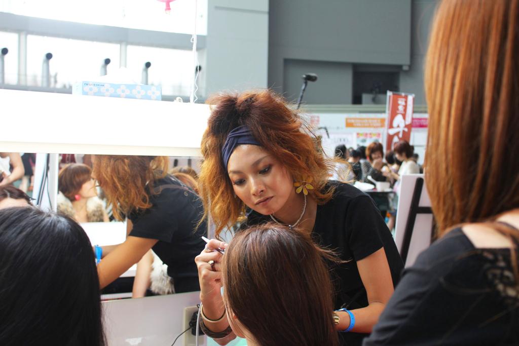 Tokyo Girls Collection 2011 AutumnWinter (7)