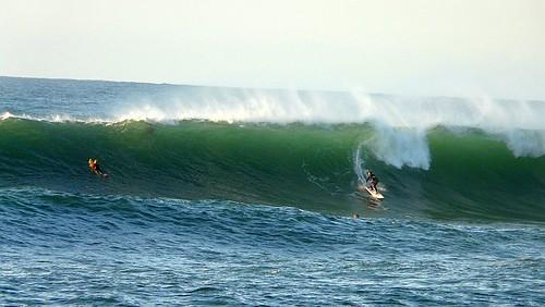 Olas en Meñakoz, surf