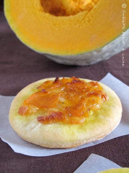 Pizzette delle Sorelle Simili - scamorza affumicata e zucca