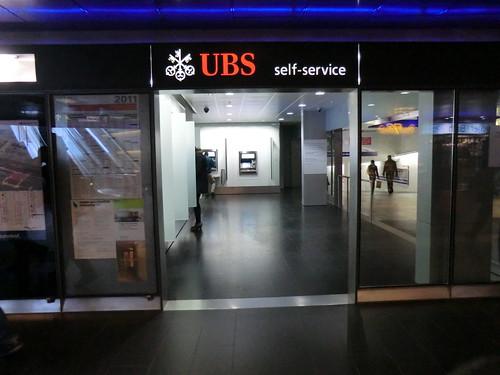 UBS bank @ Zurich rail station