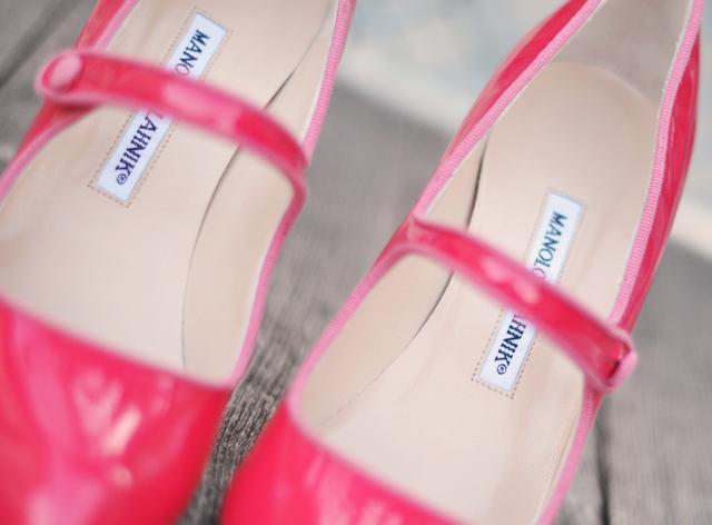 manolo blahnik pink mary janes