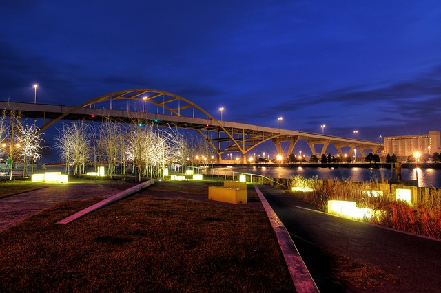 Twilight at Hoan Bridge and Erie Street Plaza
