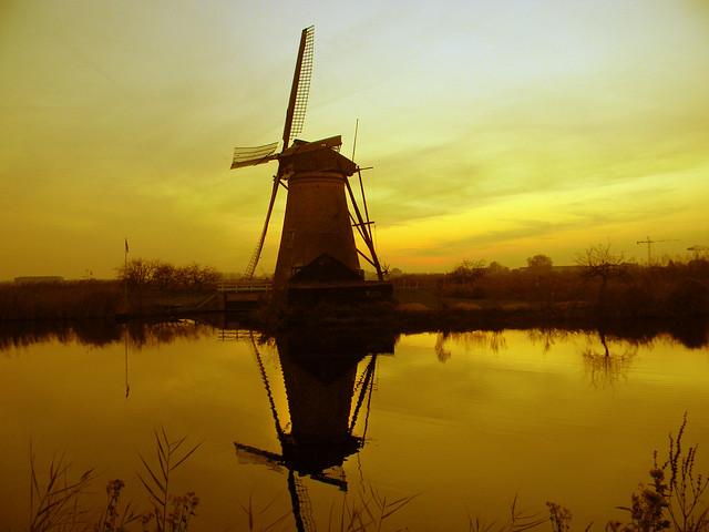 DSCN3004 Kinderdijk - windmill (Getty Images)