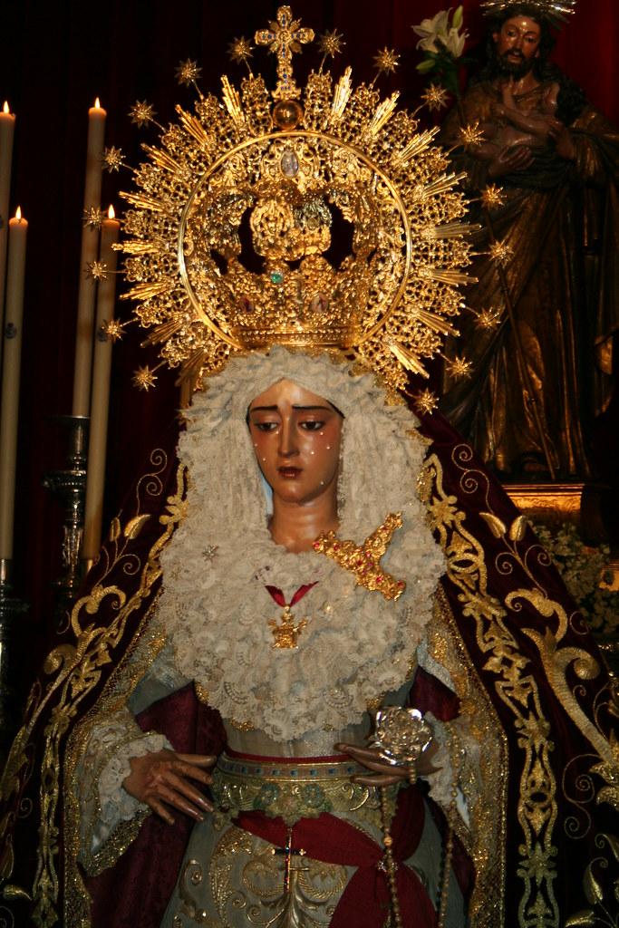 Besamanos Virgen de la Caridad en Su Soledad.